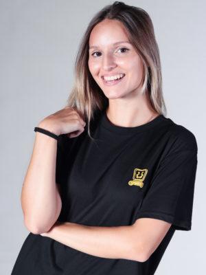 Camiseta color negro inspirada en las fiestas de las Bacantes, mujeres griegas seguidoras de Dioniso, ilustradas en estilo Pin-Up.